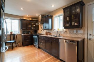 Photo 6: 15620 RUSSELL Avenue: White Rock House for sale (South Surrey White Rock)  : MLS®# R2140276