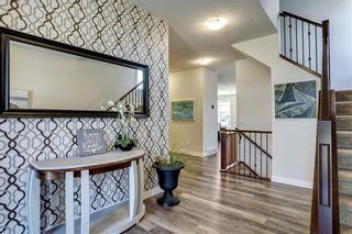 Photo 2: 83 ASPEN STONE Manor SW in Calgary: Aspen Woods Detached for sale : MLS®# C4259522