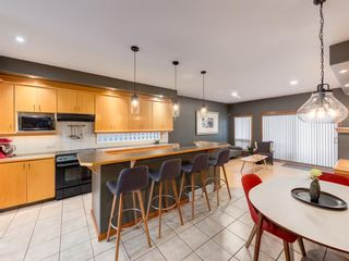 Photo 8: 2011 32 Avenue SW in Calgary: South Calgary Detached for sale : MLS®# A1060898