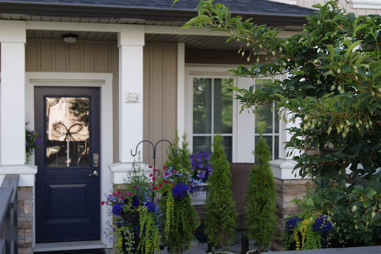 """Main Photo: 69 31032 WESTRIDGE Place in Abbotsford: Abbotsford West Townhouse for sale in """"Harvest"""" : MLS®# R2084069"""