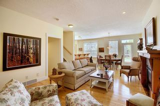 Photo 5: 45 Discovery Heights SW in Calgary: Discovery Ridge Row/Townhouse for sale : MLS®# A1109314
