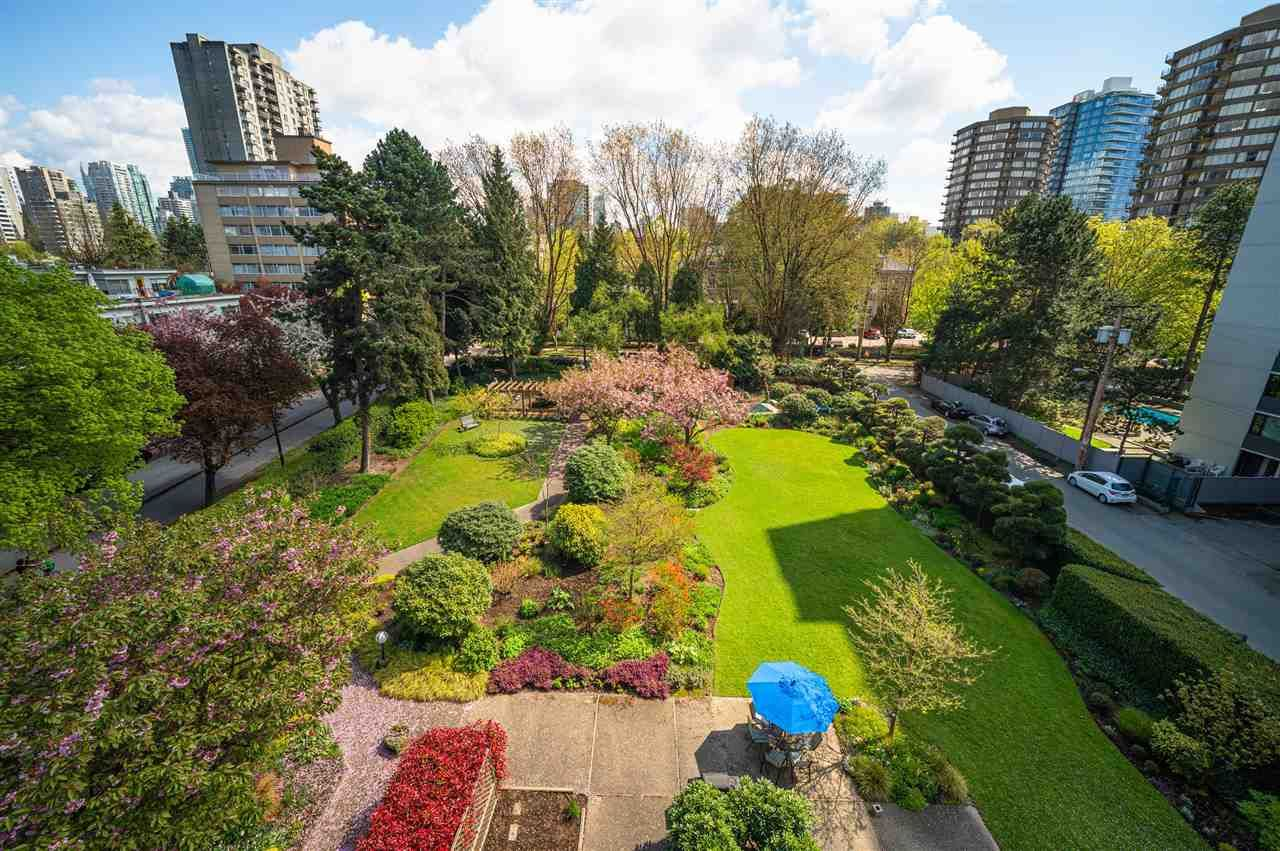 """Main Photo: 605 1740 COMOX Street in Vancouver: West End VW Condo for sale in """"THE SANDPIPER"""" (Vancouver West)  : MLS®# R2574694"""