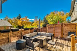 Photo 2: 5 64 Woodacres Crescent SW in Calgary: Woodbine Row/Townhouse for sale : MLS®# A1151250
