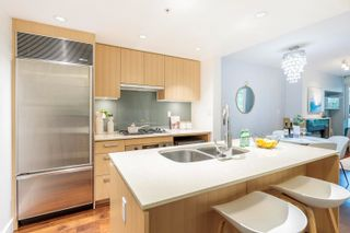 """Photo 12: 305 1675 W 8TH Avenue in Vancouver: Fairview VW Condo for sale in """"Camera"""" (Vancouver West)  : MLS®# R2617696"""
