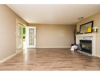 """Photo 7: 101 15439 100 Avenue in Surrey: Guildford Townhouse for sale in """"PLUM TREE LANE"""" (North Surrey)  : MLS®# R2095755"""