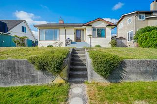 Photo 1: 908 BURNABY Street in New Westminster: The Heights NW House for sale : MLS®# R2612018