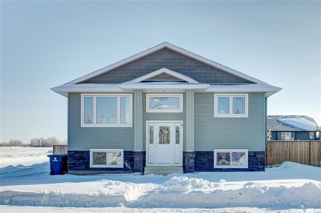 Main Photo: 7 6th Avenue South in Langham: Residential for sale : MLS®# SK841557