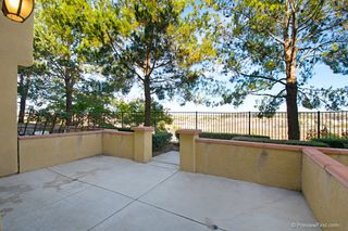 Photo 2: TORREY HIGHLANDS Townhouse for sale : 2 bedrooms : 7720 Via Rossi #5 in San Diego