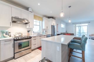 """Photo 7: 16 1708 KING GEORGE Boulevard in Surrey: King George Corridor Townhouse for sale in """"George"""" (South Surrey White Rock)  : MLS®# R2229813"""