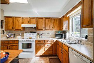 "Photo 3: 202 1424 MARTIN Street: White Rock Condo for sale in ""The Patrician"" (South Surrey White Rock)  : MLS®# R2367423"