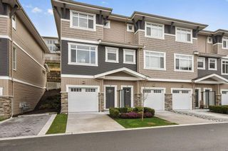 """Photo 1: 18 34230 ELMWOOD Drive in Abbotsford: Central Abbotsford Townhouse for sale in """"TEN OAKS"""" : MLS®# R2447846"""