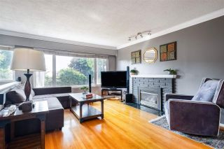 Photo 3: 9736 CROWN Crescent in Surrey: Royal Heights House for sale (North Surrey)  : MLS®# R2509471