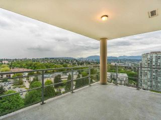 """Photo 19: 2002 280 ROSS Drive in New Westminster: Fraserview NW Condo for sale in """"The Carlyle"""" : MLS®# R2577017"""