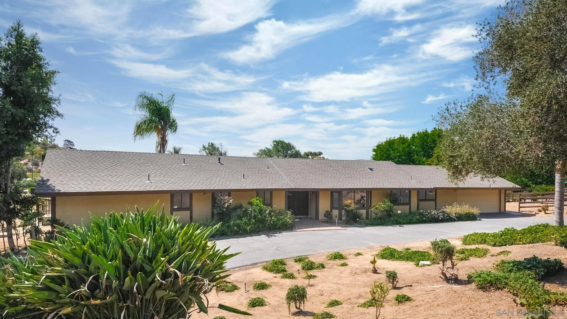 Main Photo: DEL MAR House for sale : 4 bedrooms : 14831 Fisher Cv