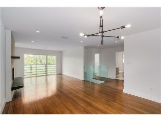 Photo 3: 2532 E 24TH Avenue in Vancouver: Renfrew Heights House for sale (Vancouver East)  : MLS®# V1070941