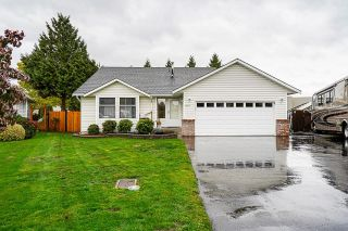 Main Photo: 19247 59TH Avenue in Surrey: Cloverdale BC House for sale (Cloverdale)  : MLS®# R2627685