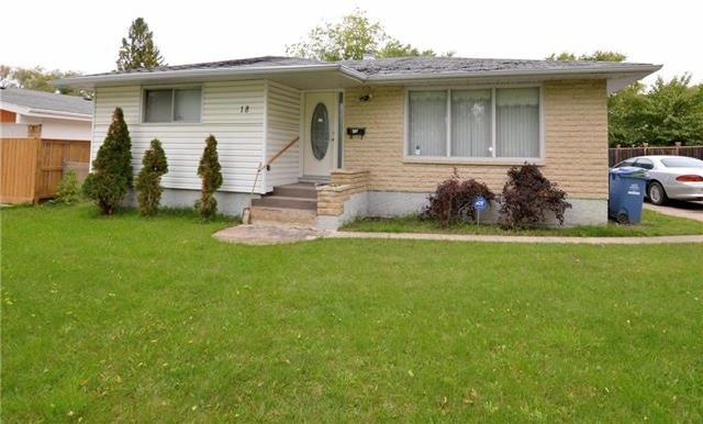 Main Photo: 18 Embassy Lane in Winnipeg: Garden City Residential for sale (4G)  : MLS®# 1928356