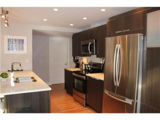 """Photo 3: 10 308 W 2ND Street in North Vancouver: Lower Lonsdale Condo for sale in """"Mohan Gardens"""" : MLS®# V1055350"""
