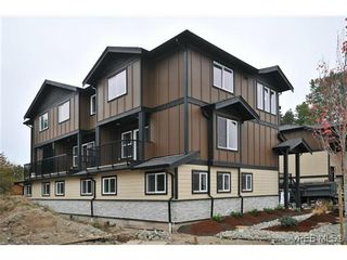 Photo 3: 103 982 Rattanwood Pl in VICTORIA: La Happy Valley Row/Townhouse for sale (Langford)  : MLS®# 635443