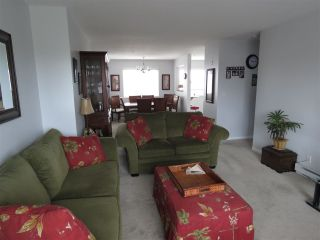 "Photo 3: 311 4768 53 Street in Delta: Delta Manor Condo for sale in ""SUNNINGDALE ESTATES"" (Ladner)  : MLS®# R2147995"