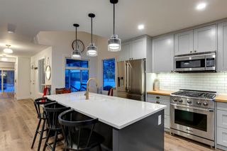 Photo 8: 2801 7 Avenue NW in Calgary: West Hillhurst Detached for sale : MLS®# A1128388