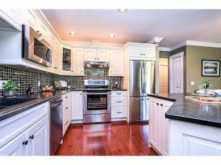 """Photo 10: 15053 27A Avenue in Surrey: Sunnyside Park Surrey Townhouse for sale in """"DAVENTRY"""" (South Surrey White Rock)  : MLS®# F1421884"""