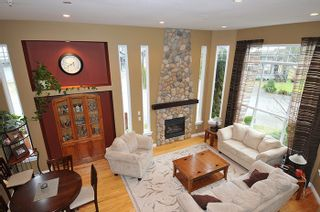 """Photo 9: 11735 GILLAND Loop in Maple Ridge: Cottonwood MR House for sale in """"RICHMOND HILL"""" : MLS®# R2027944"""