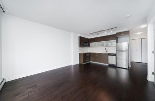 """Photo 6: 502 10777 UNIVERSITY Drive in Surrey: Whalley Condo for sale in """"City Point"""" (North Surrey)  : MLS®# R2583911"""