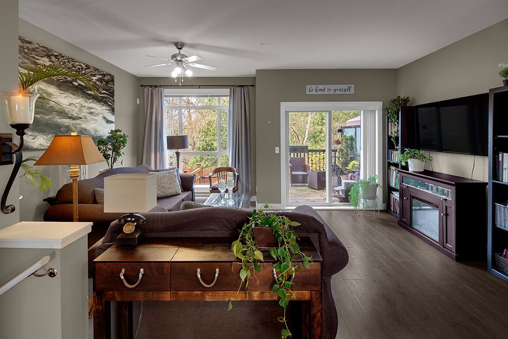 "Main Photo: 111 11305 240 Street in Maple Ridge: Cottonwood MR Townhouse for sale in ""MAPLE HEIGHTS"" : MLS®# R2558286"