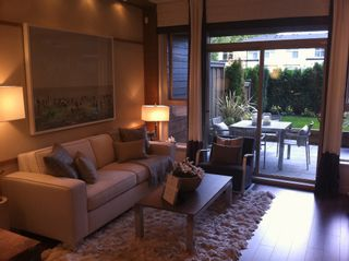 Photo 3: 404 1153 Kensal Place in Coquitlam: Condo
