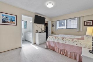 Photo 25: 6560 YEATS Crescent in Richmond: Woodwards House for sale : MLS®# R2625112