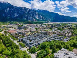 """Photo 36: 38371 SUMMITS VIEW Drive in Squamish: Downtown SQ Townhouse for sale in """"THE FALLS AT EAGLEWIND"""" : MLS®# R2587853"""