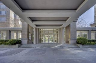 """Photo 14: 1505 2668 ASH Street in Vancouver: Fairview VW Condo for sale in """"CAMBRIDGE GARDENS"""" (Vancouver West)  : MLS®# R2354882"""