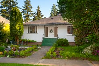 Photo 2: 4030 W 33RD Avenue in Vancouver: Dunbar House for sale (Vancouver West)  : MLS®# R2576972