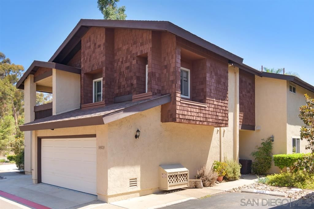 Main Photo: SCRIPPS RANCH Townhouse for rent : 4 bedrooms : 9809 Caminito Doha in San Diego