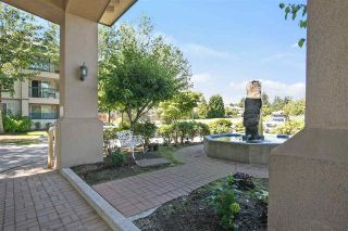 """Photo 19: 302 19528 FRASER Highway in Langley: Cloverdale BC Condo for sale in """"Fairmont"""" (Cloverdale)  : MLS®# R2554897"""