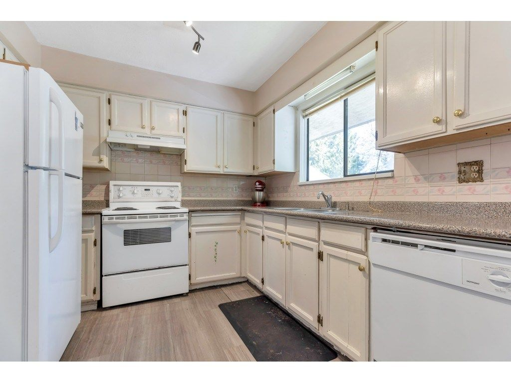 Photo 11: Photos: 10276 145 Street in Surrey: Guildford House for sale (North Surrey)  : MLS®# R2566192