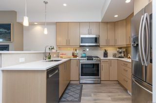 Photo 10: 2213 Echo Valley Rise in : La Bear Mountain Row/Townhouse for sale (Langford)  : MLS®# 869448