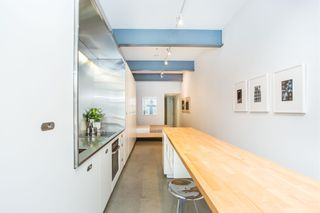 """Photo 7: 303 53 W HASTINGS Street in Vancouver: Downtown VW Condo for sale in """"Paris Block"""" (Vancouver West)  : MLS®# R2600726"""