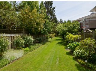 """Photo 20: 141 15550 26TH Avenue in Surrey: King George Corridor Townhouse for sale in """"Sunnyside Gate"""" (South Surrey White Rock)  : MLS®# F1414427"""