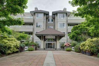 """Photo 3: 404 6745 STATION HILL Court in Burnaby: South Slope Condo for sale in """"SALTSPRING"""" (Burnaby South)  : MLS®# R2272238"""