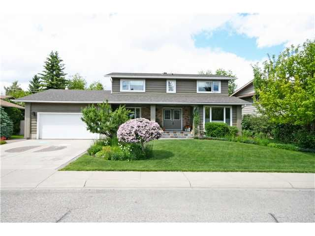 Main Photo: 416 129 Avenue SE in CALGARY: Lk Bonavista Estates Residential Detached Single Family for sale (Calgary)  : MLS®# C3623389
