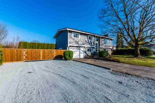 Photo 2: 10072 FAIRBANKS Crescent in Chilliwack: Fairfield Island House for sale : MLS®# R2447155