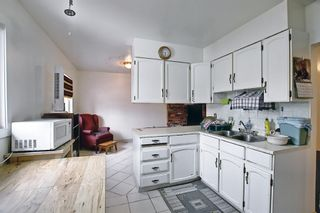 Photo 8: 2335 53 Avenue SW in Calgary: North Glenmore Park Detached for sale : MLS®# A1083978