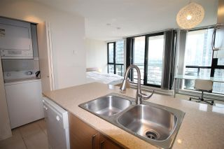 """Photo 19: 1303 909 MAINLAND Street in Vancouver: Yaletown Condo for sale in """"YALETOWN PARK 2"""" (Vancouver West)  : MLS®# R2561164"""