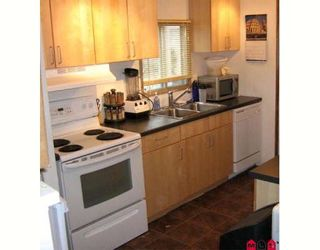 """Photo 3: 51 8254 134TH Street in Surrey: Queen Mary Park Surrey Manufactured Home for sale in """"WESTWOOD ESTATES"""" : MLS®# F2828467"""