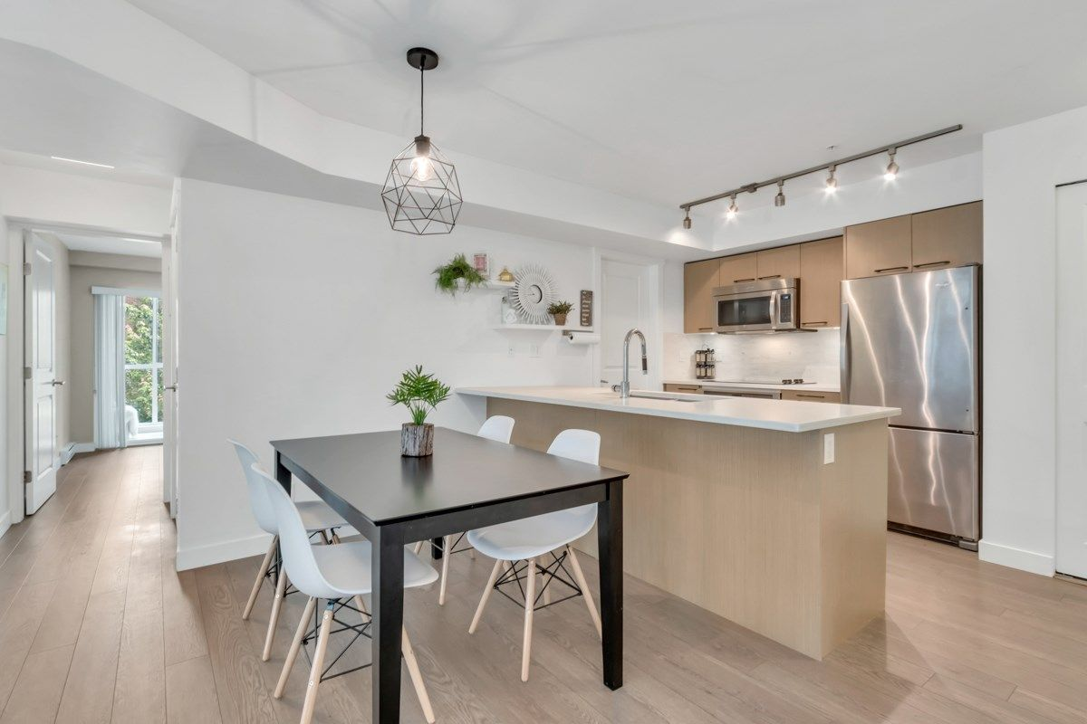 """Main Photo: 201 688 E 18TH Avenue in Vancouver: Fraser VE Condo for sale in """"The Gem"""" (Vancouver East)  : MLS®# R2385649"""