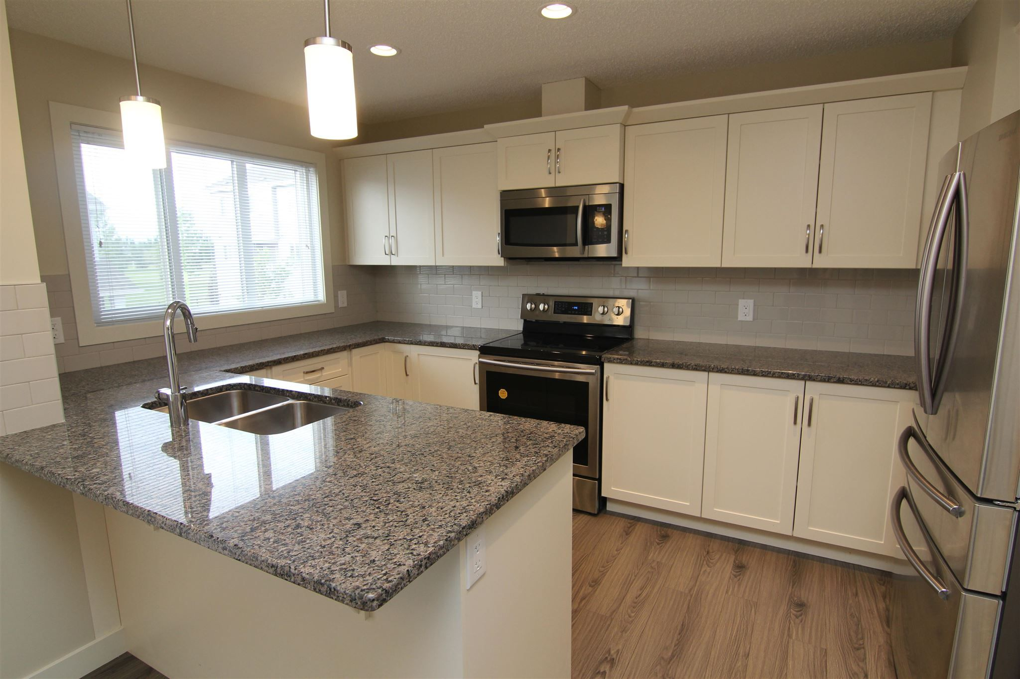 Main Photo: 34 2121 HADDOW Drive in Edmonton: Zone 14 Townhouse for sale : MLS®# E4250446