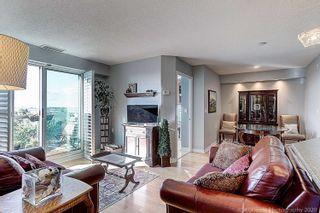 Photo 3: 935 W Sheppard Avenue in Toronto: Clanton Park Condo for sale (Toronto C06)  : MLS®# C4955179