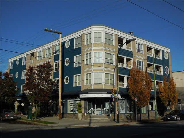 """Main Photo: 404 1990 DUNBAR Street in Vancouver: Kitsilano Condo for sale in """"THE BREEZE"""" (Vancouver West)  : MLS®# V1093598"""